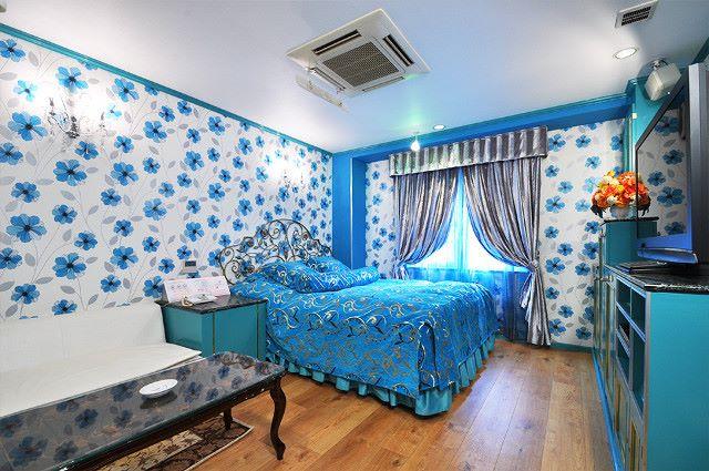 大阪のデザイナーズホテル【ローズリップス】はすべてこだわりのお部屋